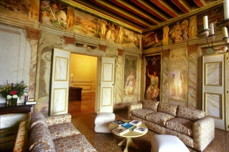 Villa dei vescovi adotta una stanza di giuliana d 39 olcese for Case di pregio a milano